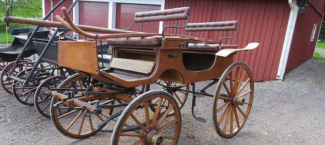 Större vagn- och slädsamling säljes